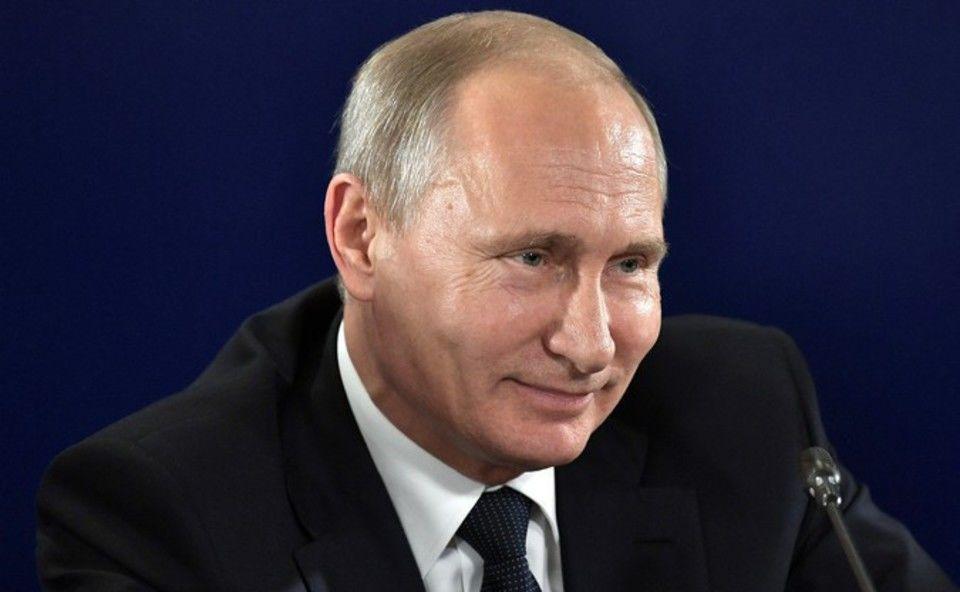 Владимир Путин исполнил стремление двойняшек изИнгушетии