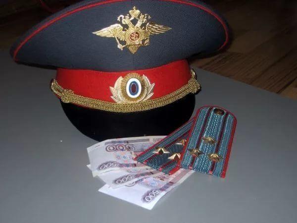 ВИнгушетии работники ФМС вымогали уиностранки около 200 000 руб.