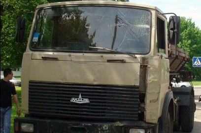 Неудержимый грузовой автомобиль спровоцировал восьмимашинное ДТП вПятигорске