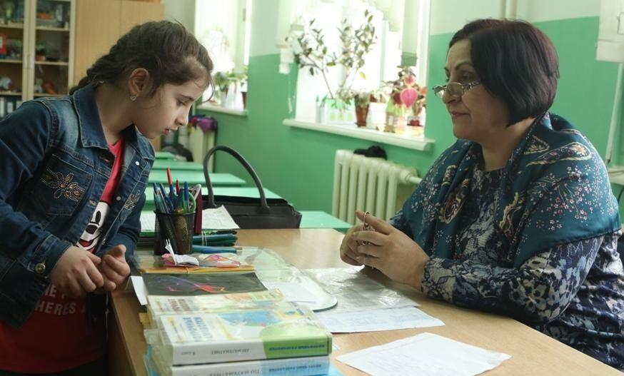 Малахов пригласил школьницу изДагестана насъёмки передачи «Пусть говорят»