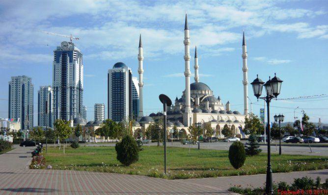 Кадыров позволил  школьницам вЧечне носить хиджаб