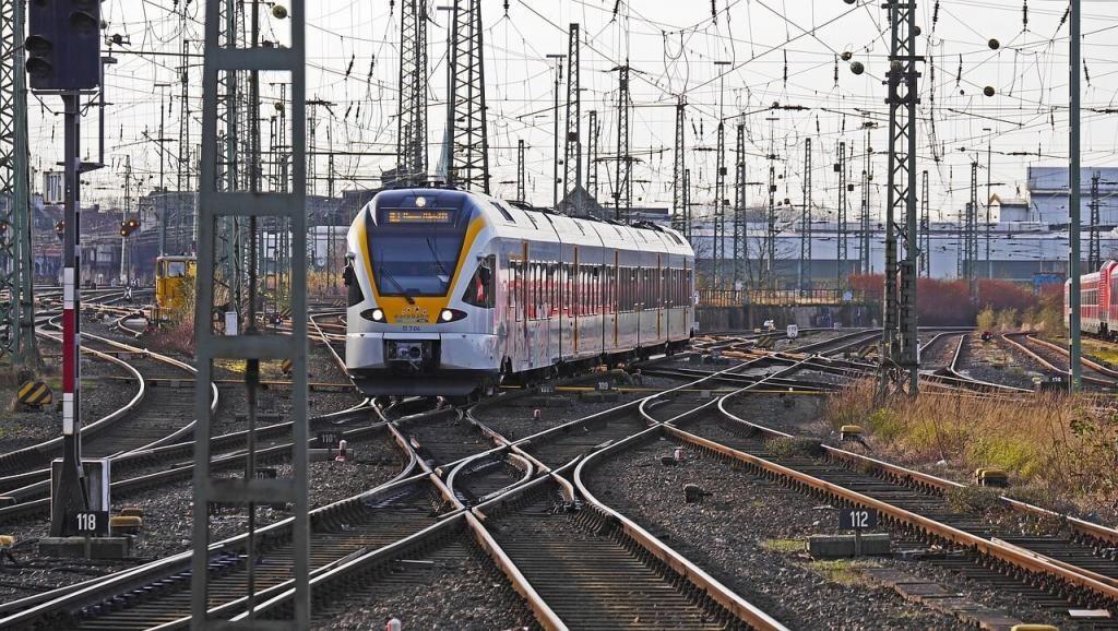 ВДагестане 10-летняя девочка погибла под колесами поезда