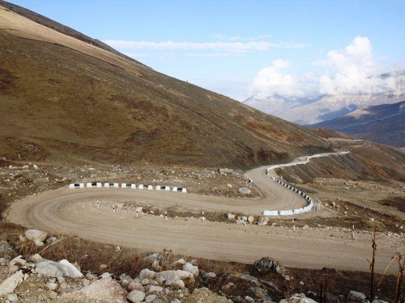 Двое детей итрое взрослых погибли в трагедии наюге Дагестана