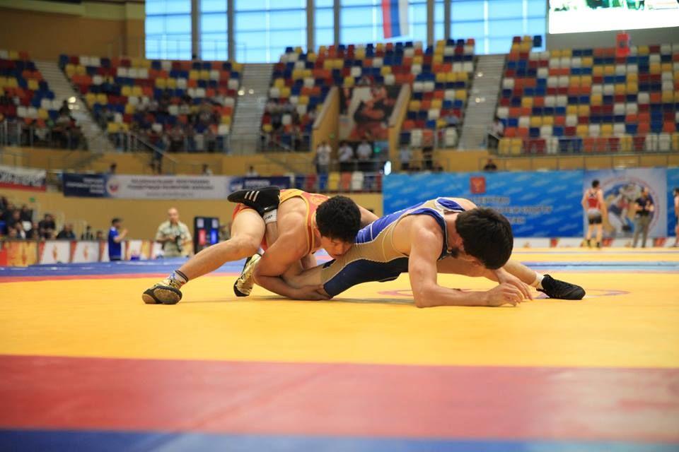 Талисман ЧЕ-2018 поспортивной борьбе представили репортерам