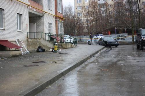 Жительница Ставрополья погибла, упав слестницы вподъезде