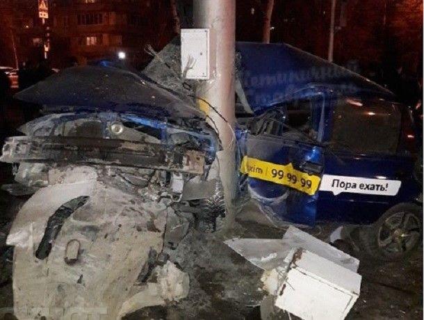 ВСтаврополе встрашном ДТП стакси погибли два человека