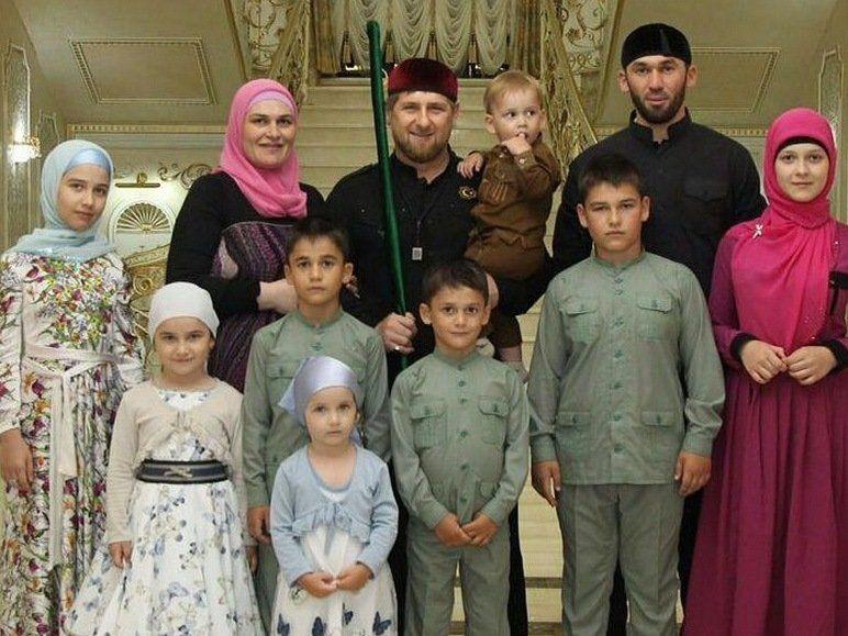 Рамзан кадыров сколько у него детей фото