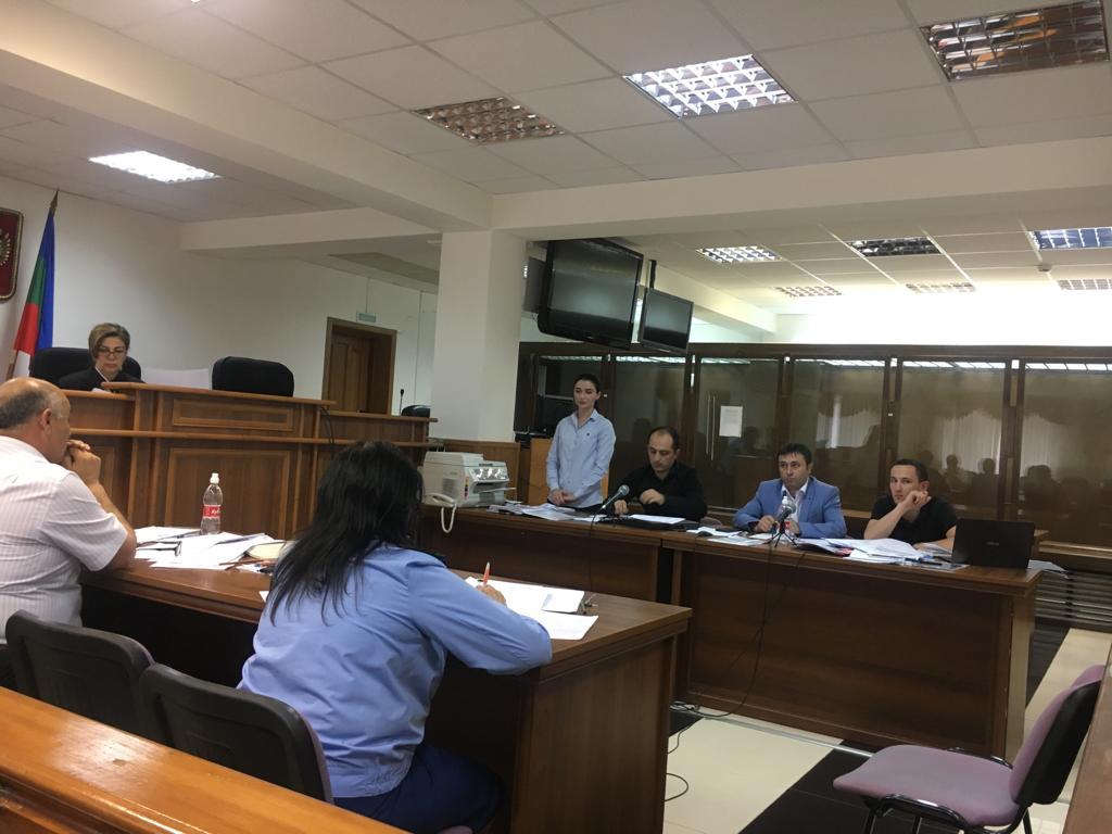 Избирком КЧР снял КПРФ с выборов в парламент республики на основании недействительного решения суда
