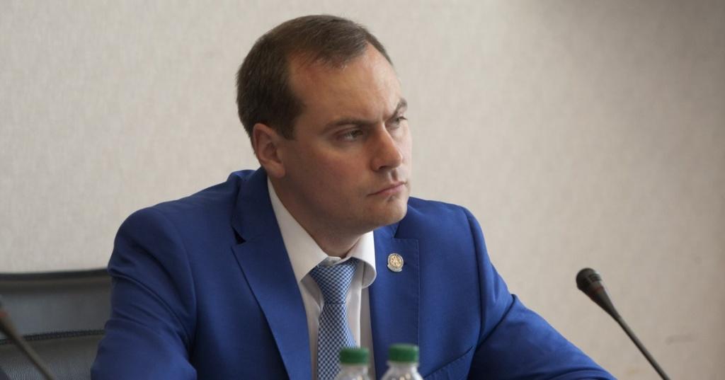 Артем Здунов освободил отзанимаемых должностей 3-х замминистров