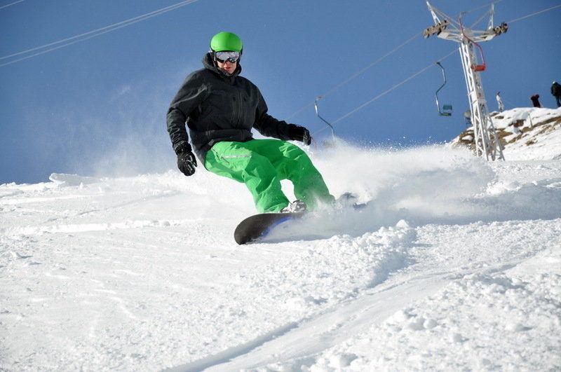 ВНальчике назакрытом склоне умер сноубордист