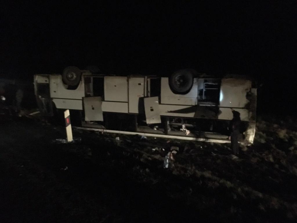ВСтавропольском крае перевернулся автобус, есть пострадавшие
